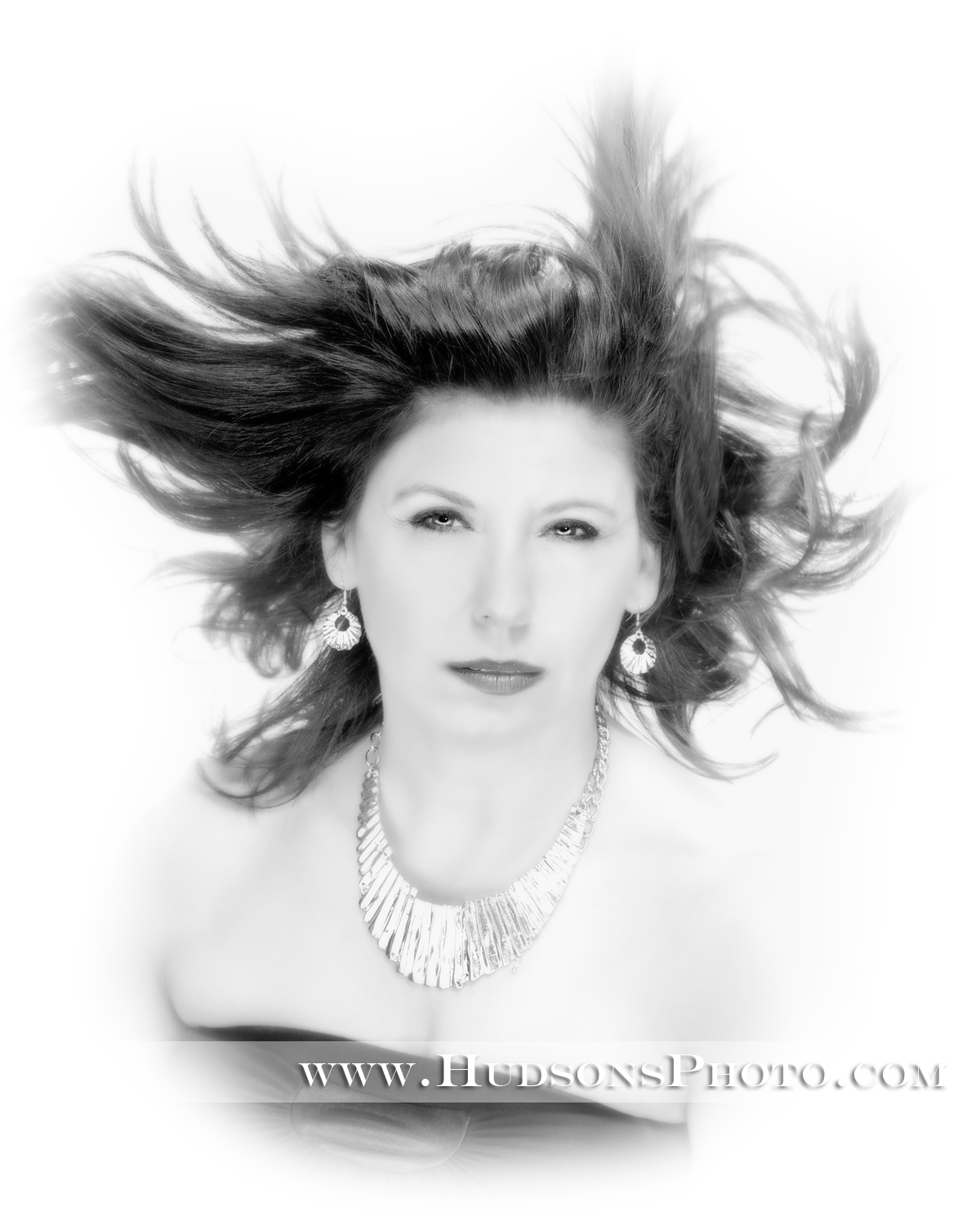 http://5thavenuess.com/wb/media/HUDSONS 2011/75_5th ave salon-bw-altered.jpg